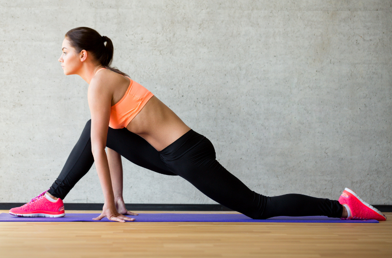 woman doing a lunge stretch