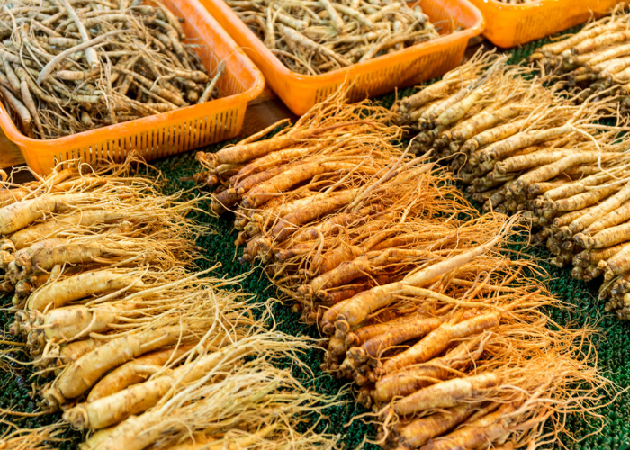 different types of ginseng laid out in a market
