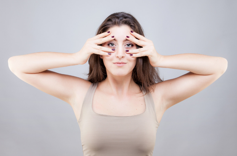 6 Face Yoga Method Exercises to Make Your Face Tighter & Brighter