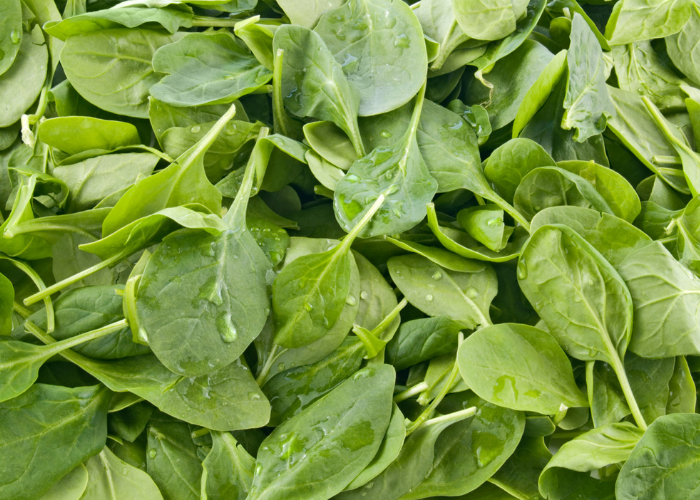 Leafy spinach greens to boost heart health