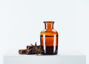 Cinnamon and anise essential oil blend