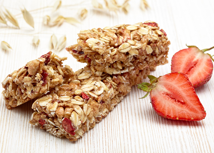 homemade strawberry keto protein bar recipe