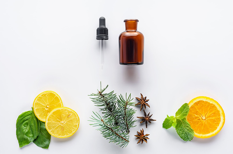 orange essential oil blends well with featured image