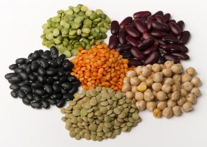 Six types of legumes grouped together
