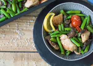 Small Paleo chicken vegetable bowl