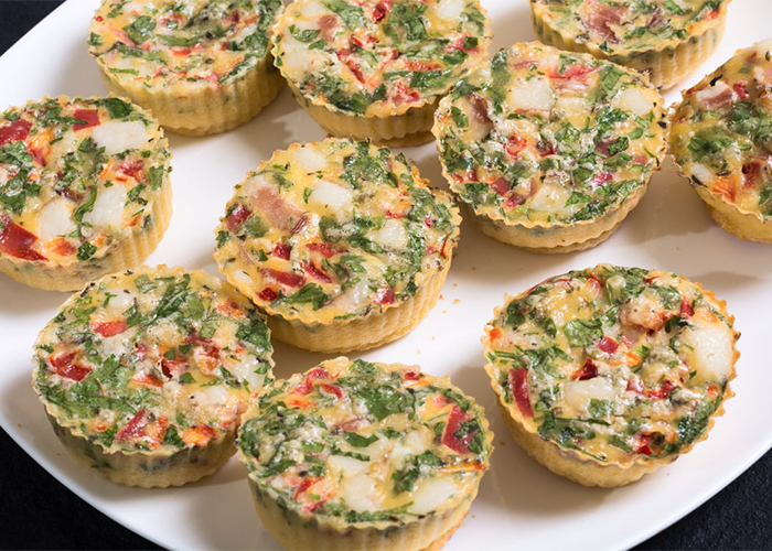 Homemade spinach eggs paleo breakfast muffins
