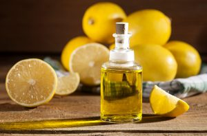 lemon-essential-oil-benefits-for-skin-featured-image