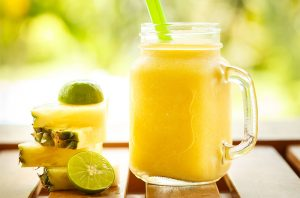 paleo-breakfast-smoothie-featured-image