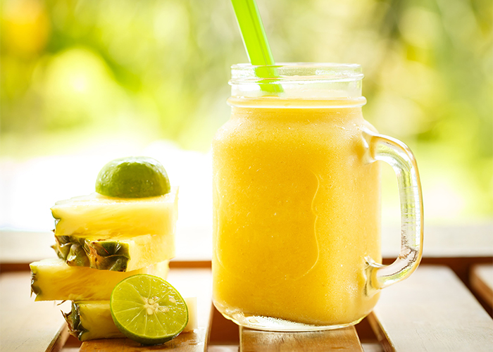 smoothies-pineapple-with-lime